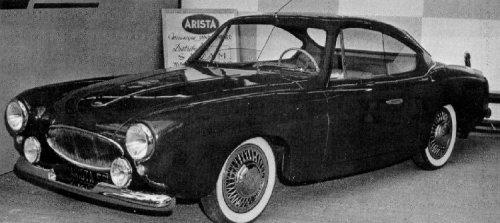 Le modèle construit par Raymond Gaillard exposé au salon de l'auto 1956