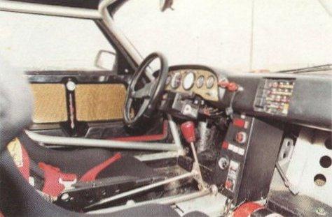 L'habitacle de la voiture de Lecomte
